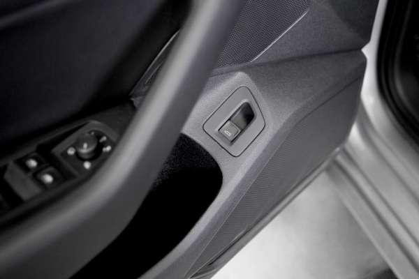 42533 - Taster elektrische Heckklappe Fahrertür VW Passat B8, Arteon 3H - L0L -1 Linkslenker
