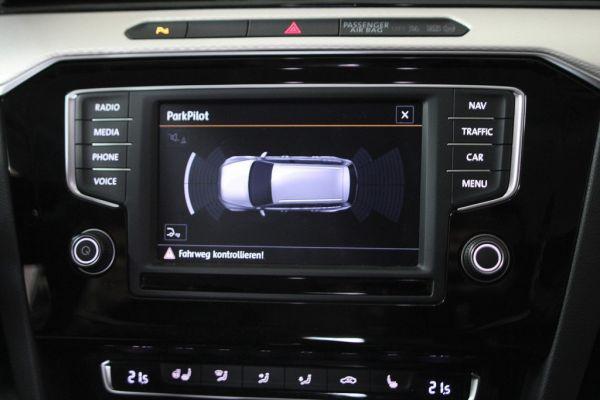 40790 - Komplett-Set Park Pilot Front + Heck inkl. OPS für VW Passat B8